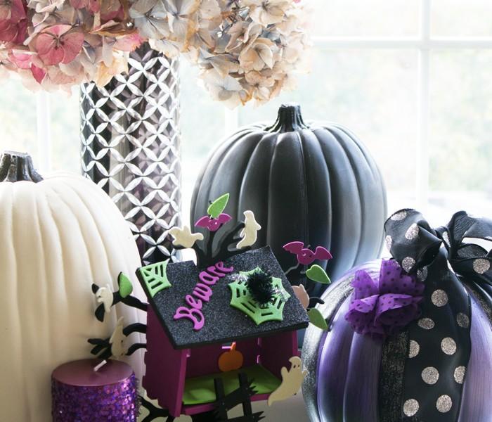 Halloween Decorating from www.trixandtrumpet.com