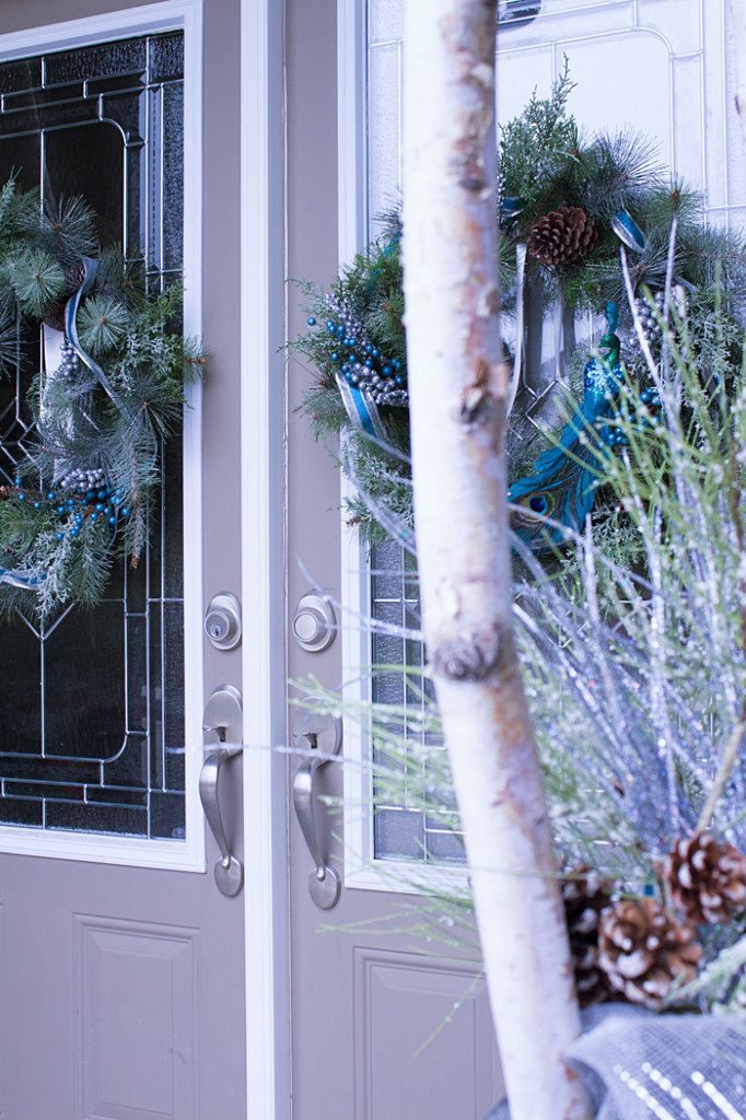 Silver and Teal Holiday Decorating Inspiration from www.trixandtrumpet.com