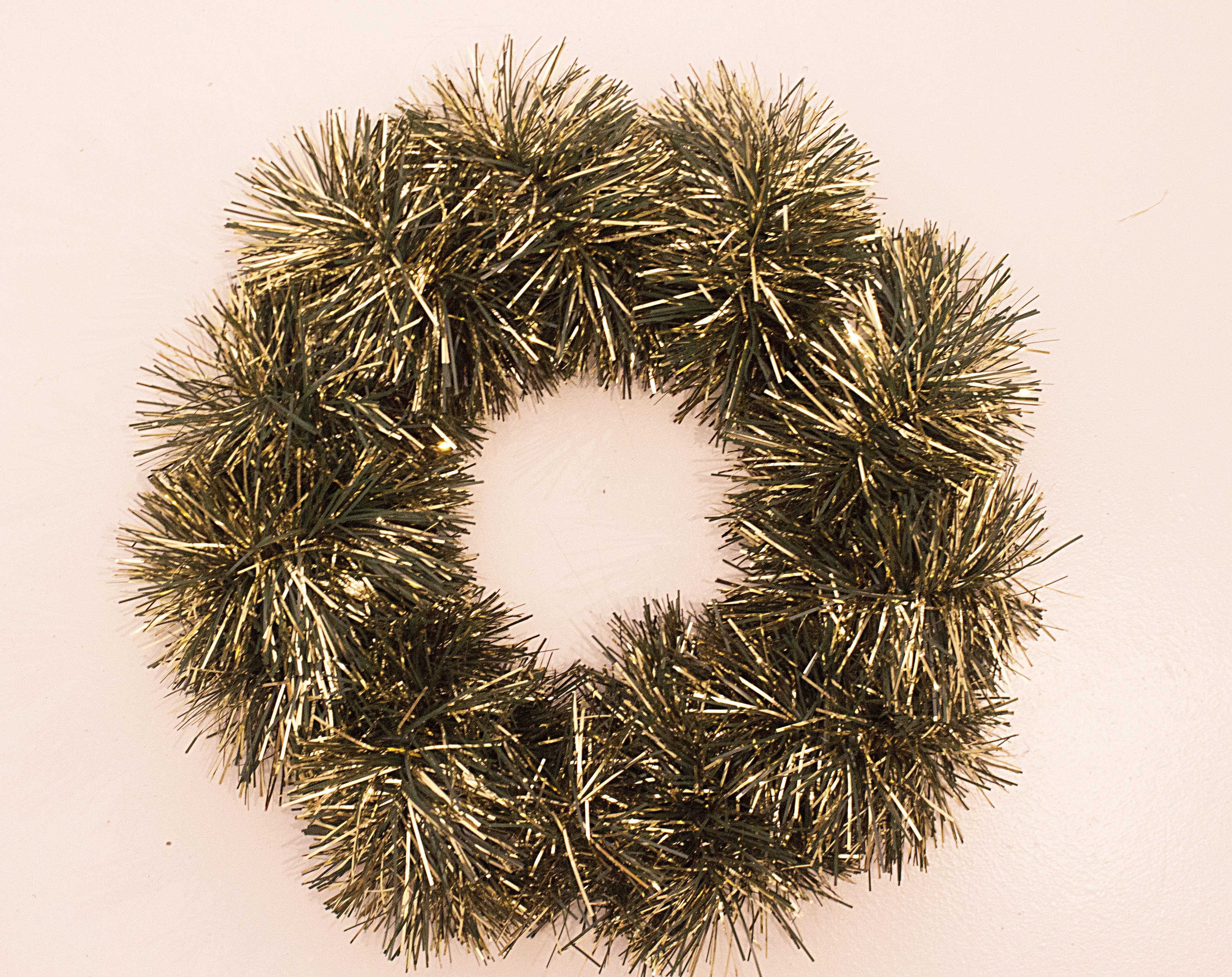 Tinsel wreath diy trix trumpet