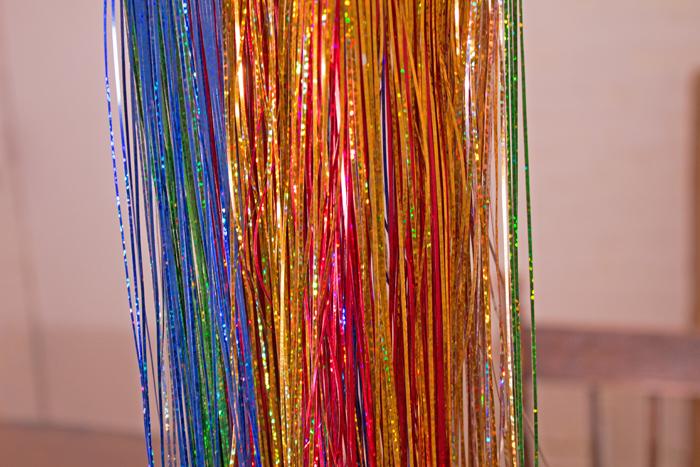 Tinsel Ornament DIY from www.trixandtrumpet.com